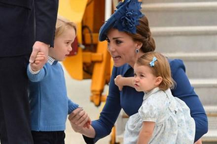 """Các bà mẹ """"phát cuồng"""" với quy tắc dạy con độc đáo Công nương Kate Middleton từng áp dụng thành công cho những đứa trẻ Hoàng gia"""