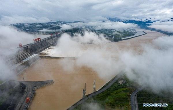 Nước về đạt 61.000 m3/giây, đập Tam Hiệp mở 3 cửa xả lũ-2
