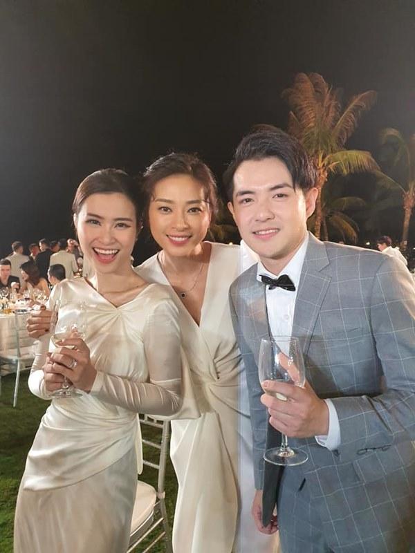 Tiết kiệm như Ngô Thanh Vân: Chỉ một bộ đầm trắng mà đả nữ diện từ ngày cưới em trai đến đám cưới thế kỷ của Đông Nhi-6
