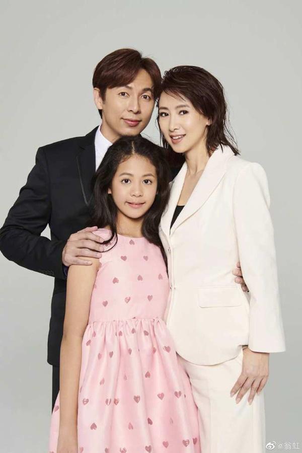 Hoa hậu Châu Á bị bố mẹ từ mặt vì đóng phim nóng, chồng hắt hủi đuổi khỏi nhà giờ ra sao?-7