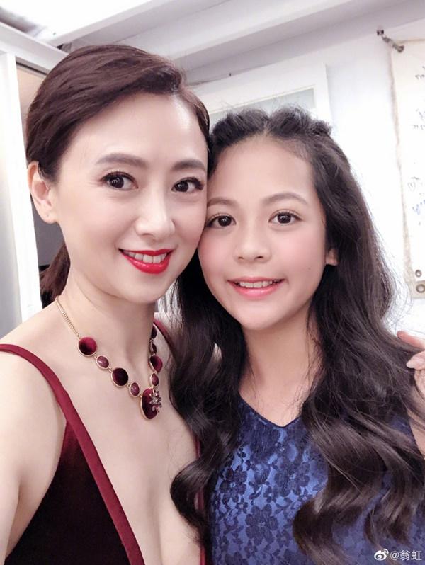 Hoa hậu Châu Á bị bố mẹ từ mặt vì đóng phim nóng, chồng hắt hủi đuổi khỏi nhà giờ ra sao?-8