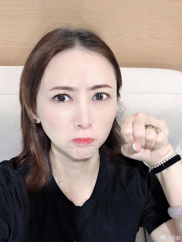 Hoa hậu Châu Á bị bố mẹ từ mặt vì đóng phim nóng, chồng hắt hủi đuổi khỏi nhà giờ ra sao?-14
