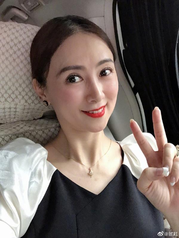 Hoa hậu Châu Á bị bố mẹ từ mặt vì đóng phim nóng, chồng hắt hủi đuổi khỏi nhà giờ ra sao?-15