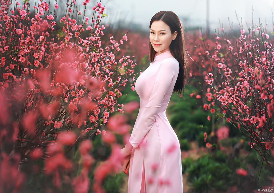 Con dâu của tỷ phú Hoàng Kiều - gây sốt mạng xã hội dù đang cách ly covid-29