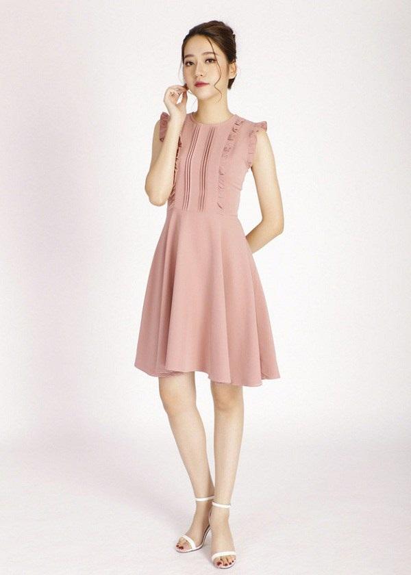 Thời tiết nắng gắt, đây là những mẫu váy sát nách có thể giúp chị em hạ nhiệt nhanh chóng-5