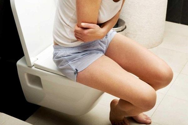 Khi đi vệ sinh nếu thấy 3 dấu hiệu này xuất hiện, nên đi khám gan ngay kẻo muộn-1