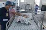 Kỳ tích phẫu thuật tách dính Trúc Nhi - Diệu Nhi: Rưng rưng khi 2 bé nhoẻn cười-2