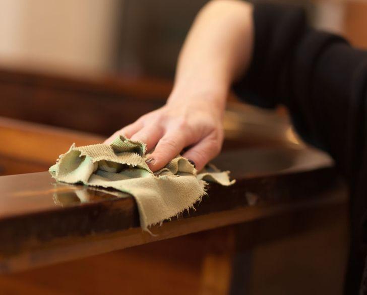 Nước xả vải không chỉ làm mềm quần áo mà còn tẩy sạch vết cháy này trong bếp, đồ gỗ cũng bóng loáng như mới mua-2