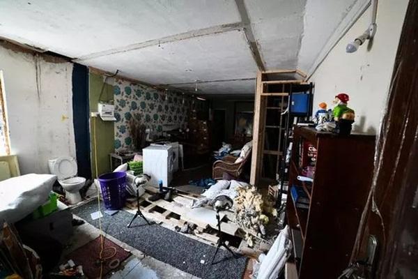 Ngôi nhà kỳ lạ thường xuyên phát ra tiếng thét từ dưới hầm sâu khiến cặp vợ chồng phải bỏ của chạy lấy người-2