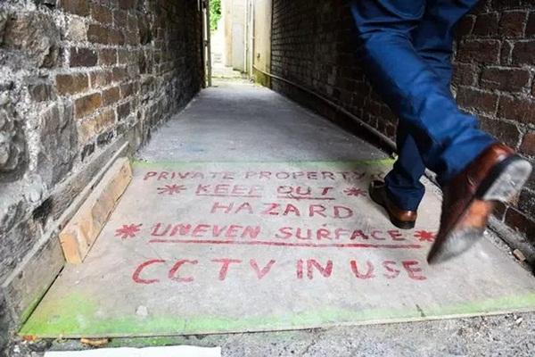 Ngôi nhà kỳ lạ thường xuyên phát ra tiếng thét từ dưới hầm sâu khiến cặp vợ chồng phải bỏ của chạy lấy người-4