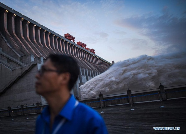 Đập Tam Hiệp chặn lượng nước lũ bằng 470 Tây Hồ Hàng Châu-10