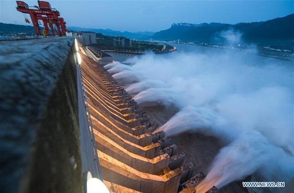 Đập Tam Hiệp chặn lượng nước lũ bằng 470 Tây Hồ Hàng Châu-3