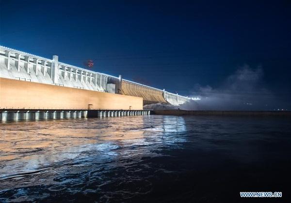 Đập Tam Hiệp chặn lượng nước lũ bằng 470 Tây Hồ Hàng Châu-9