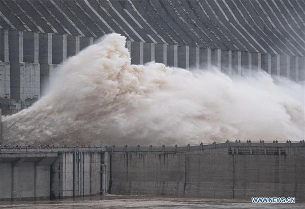 Đập Tam Hiệp chặn lượng nước lũ bằng 470 Tây Hồ Hàng Châu-13