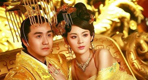 Cướp chồng của chị gái, Hoàng hậu được chiều chuộng hết mực nhưng thân phận kẻ thứ 3 vẫn nhận cái kết đáng sợ ở tuổi 28-2