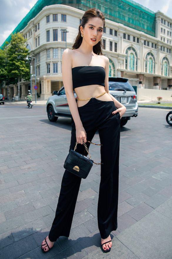 Chán hở trước, Ngọc Trinh lại diện mốt quần jeans hở toang hoác phía sau-14