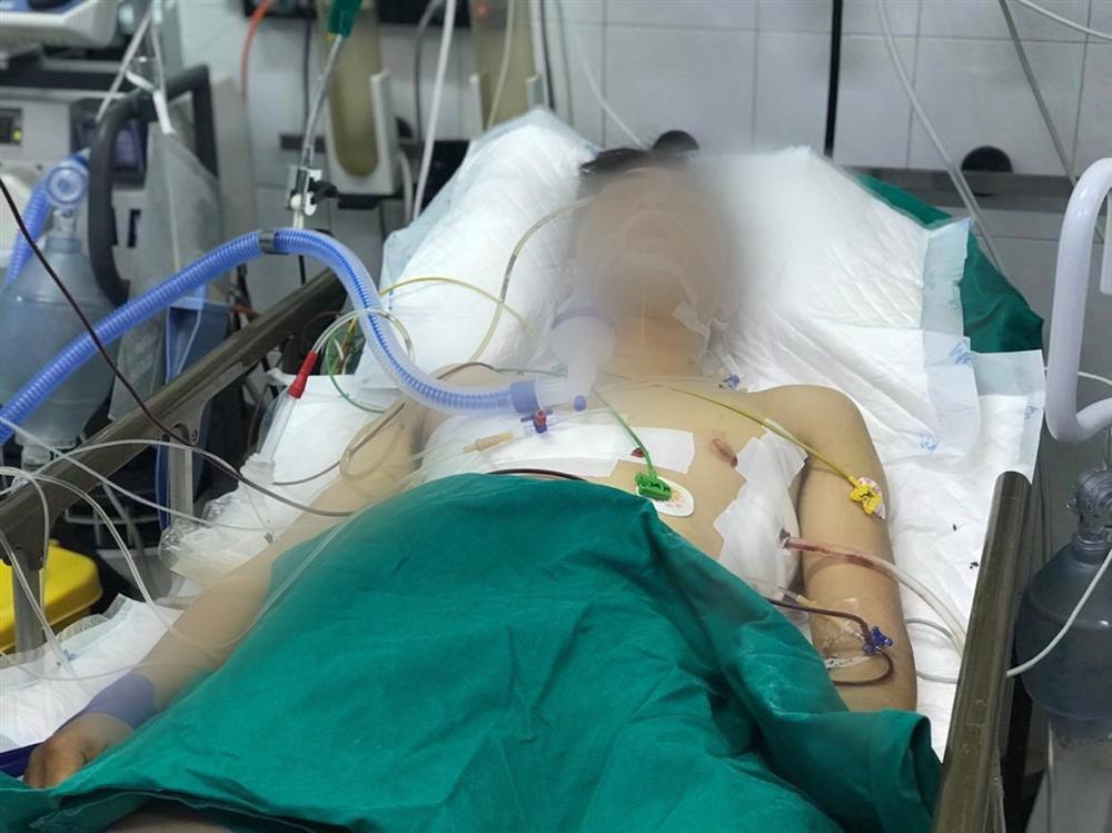 Thông tin mới nhất về sức khỏe tài xế GrabBike bị đâm 6 nhát khi chở cô gái mang bầu-1