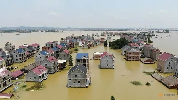Những con số lột tả sức tàn phá khủng khiếp của mưa lũ ở Trung Quốc-1