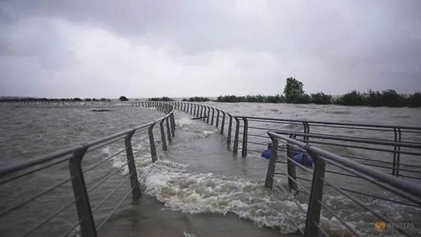 Những con số lột tả sức tàn phá khủng khiếp của mưa lũ ở Trung Quốc-3