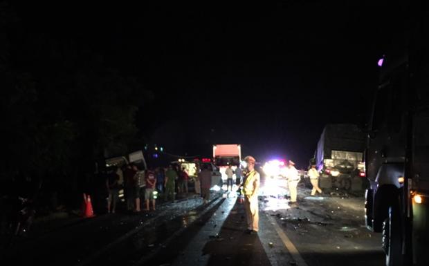 """Lời kể vụ tai nạn thảm khốc 8 người tử vong ở Bình Thuận: Nhiều nạn nhân nằm bất động, cảnh tượng rất đau lòng""""-1"""
