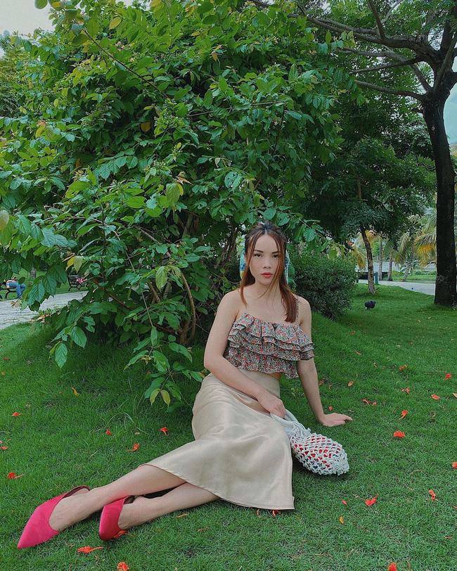 Các mỹ nhân Việt có loạt cách diện chân váy siêu xinh, bạn áp dụng thì sẽ đẹp mọi lúc mọi nơi-1