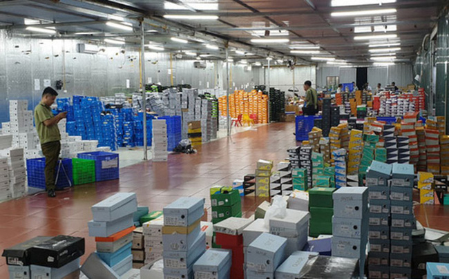 Choáng váng doanh thu tổng kho hàng lậu 10.000 mét vuông ở Lào Cai: 650 tỷ chỉ sau 2 năm livestream bán hàng-2