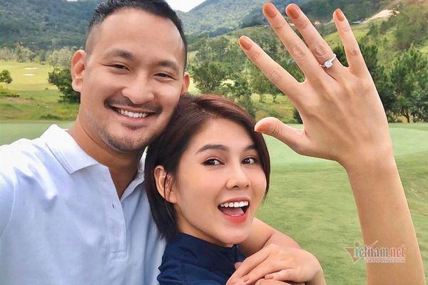 MC Thu Hoài được bạn trai cầu hôn-1
