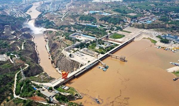 Cảnh xả nước lũ choáng ngợp hiếm gặp trên thượng nguồn sông Hoàng Hà-5