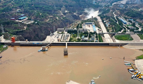 Cảnh xả nước lũ choáng ngợp hiếm gặp trên thượng nguồn sông Hoàng Hà-9