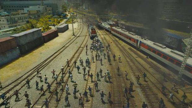 6 giả thuyết rợn người ở bom tấn Train To Busan 2: Con gái Gong Yoo vẫn còn sống, zombie sắp xâm chiếm cả thế giới rồi?-2
