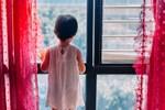 Bị 2 người lạ mặt xông vào tận cửa bắt cóc con gái 4 tuổi, bà mẹ nhanh tay phản ứng khiến kẻ xấutháo chạy-4
