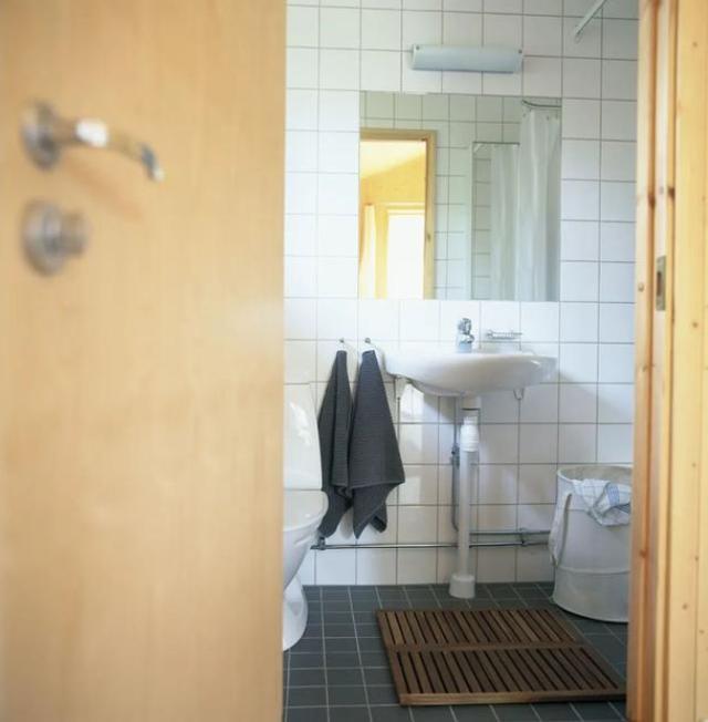 Có nên đóng cửa nhà tắm khi không sử dụng? Nhiều người đã làm sai khiến mầm bệnh sinh sôi-2