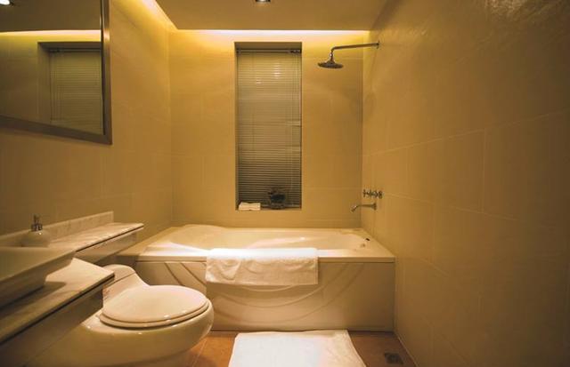 Có nên đóng cửa nhà tắm khi không sử dụng? Nhiều người đã làm sai khiến mầm bệnh sinh sôi-4