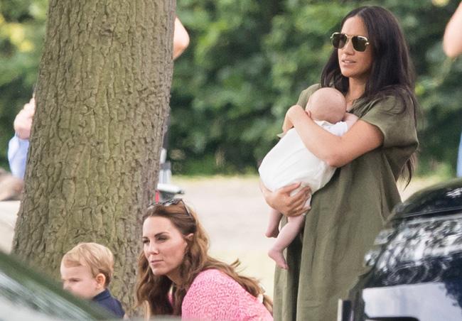 Một loạt bằng chứng cho thấy mối quan hệ rạn nứt giữa Công nương Kate với em dâu Meghan hoàn toàn có thật-4