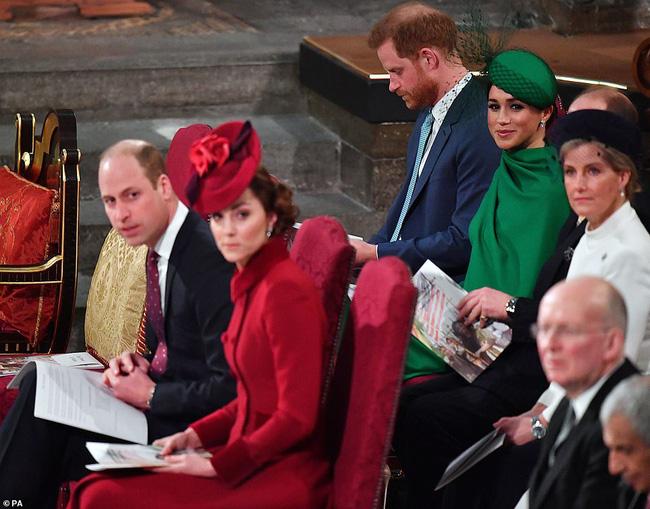Một loạt bằng chứng cho thấy mối quan hệ rạn nứt giữa Công nương Kate với em dâu Meghan hoàn toàn có thật-5