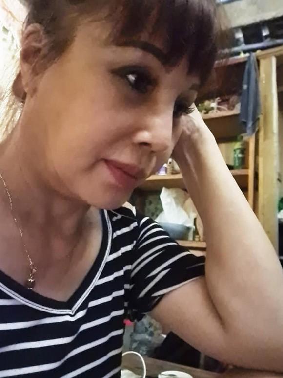 """Phẫu thuật thẩm mỹ còn chưa kịp hoàn hồn"""", cô dâu 63 tuổi ở Cao Bằng còn tiếp tục cùng chồng trẻ thực hiện việc đại sự khác-5"""