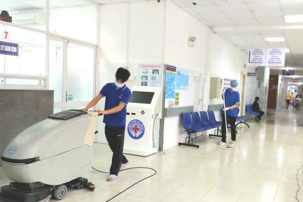 30 người trốn khỏi Bệnh viện Đà Nẵng khi đang cách ly phòng chống dịch COVID-19-1