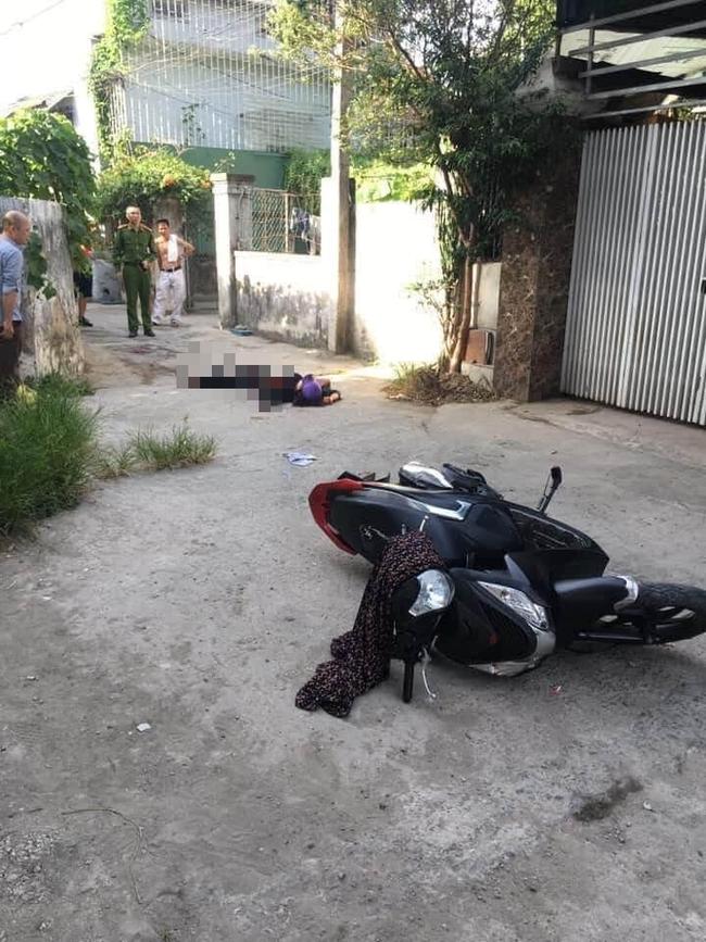 Án mạng kinh hoàng: Đang đi trên đường, người phụ nữ bị đâm nhiều nhát tử vong-1