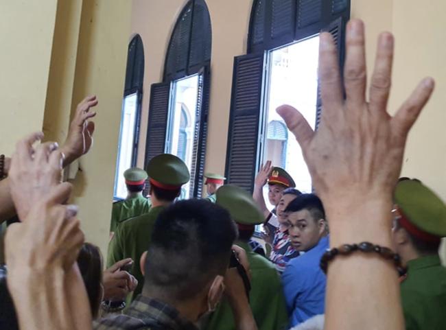 Tử hình Văn Kính Dương, hot girl Ngọc Miu bị tuyên 16 năm tù trong vụ án sản xuất ma tuý lớn nhất Việt Nam-4