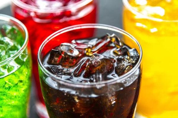 Coca không chỉ là nước giải khát mà còn có vô vàn công dụng hay ho, ít người biết đến-1