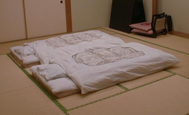Tại sao nhiều cặp vợ chồng ở Nhật không ngủ chung giường?-4