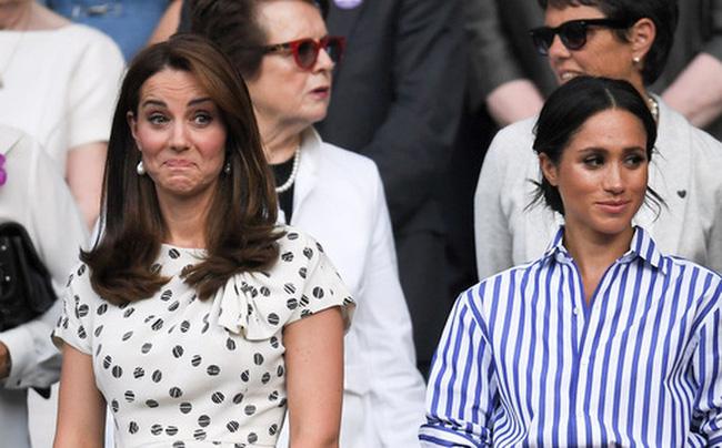 Công nương Kate và em dâu Meghan Markle chính thức ngoảnh mặt làm ngơ nhau chỉ vì một bó hoa-1