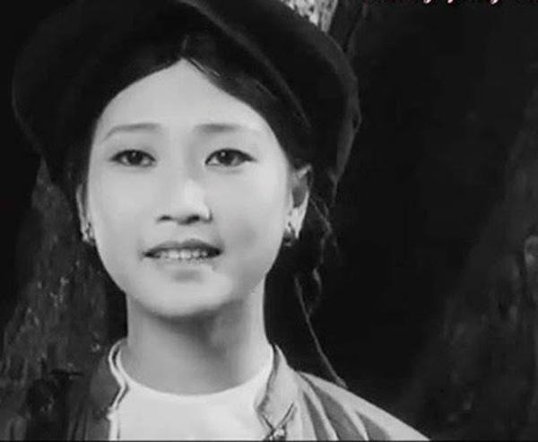 """Đời thực viên mãn của cặp chị em NSND Như Quỳnh và Hoàng Xuân trong Đừng bắt em phải quên""""-1"""