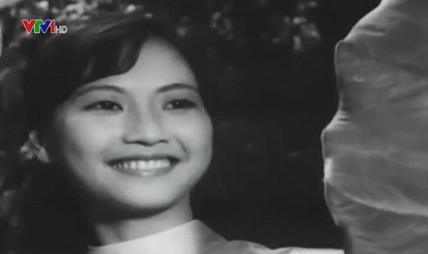 """Đời thực viên mãn của cặp chị em NSND Như Quỳnh và Hoàng Xuân trong Đừng bắt em phải quên""""-2"""