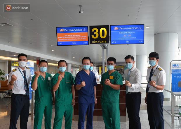 Ảnh: Bên trong chuyến bay đặc biệt đón 120 công dân nhiễm Covid-19 tại Guinea Xích đạo về nước-2