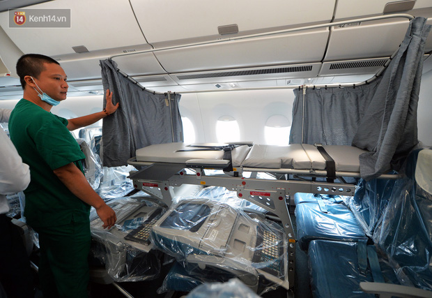 Ảnh: Bên trong chuyến bay đặc biệt đón 120 công dân nhiễm Covid-19 tại Guinea Xích đạo về nước-10