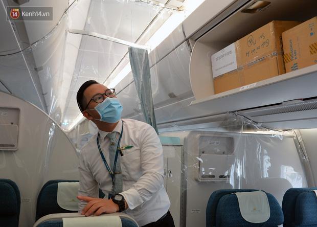 Ảnh: Bên trong chuyến bay đặc biệt đón 120 công dân nhiễm Covid-19 tại Guinea Xích đạo về nước-14