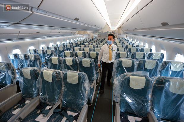 Ảnh: Bên trong chuyến bay đặc biệt đón 120 công dân nhiễm Covid-19 tại Guinea Xích đạo về nước-5