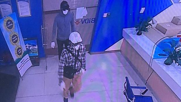 1 trong 2 nghi phạm cướp ngân hàng BIDV vạch kế hoạch dùng súng viên thứ nhất bắn công an, viên thứ 2 bắn khách hàng-4