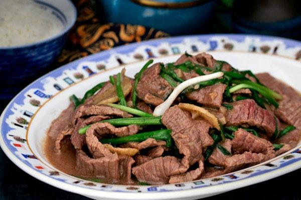 Xào thịt bò bằng dầu nóng: Sai lầm bà nội trợ nào cũng mắc phải khiến món ăn vừa khô vừa dai-1